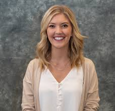 Alumna Spotlight: Lauren Smith – The Beacon