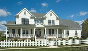 Living The American Dream With A White Picket Fence New England Homes England Houses Classic House Design