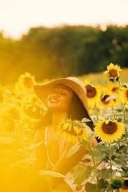 Pin by Twila McDonald on Senior Photos | Sunflower photography, Sunflower  pictures, Sunflower field pictures