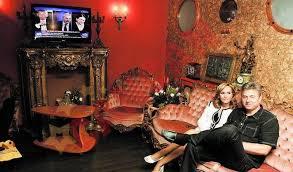 Doamna Gabriela Vranceanu Firea Pandele…cumparati un cal de sufragerie? | Cronici pe bune