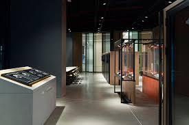 glass showroom by demirden design
