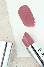 face stockholm light mist lipstick
