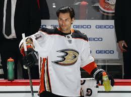 Anaheim Ducks Extend Adam Henrique
