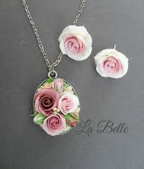 roses from polymer clay the pendant