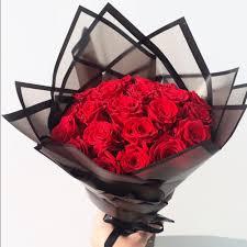 باقة رومانتك لوكس 20 وردة زهرة لاريس Lares Flower