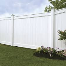 Emblem 6x8 Vinyl Privacy Fence Kit Vinyl Fence Freedom Outdoor Living For Lowes Vinyl Privacy Fence Vinyl Fence Panels Backyard Fences