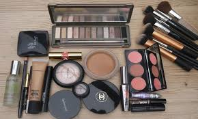 how to make a simple makeup kit
