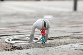 Slinkachu Is Een Street Artist Met Een Genitale Fixatie Die ...