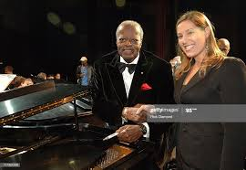 Oscar Peterson and Abby Spatz, Hilton during GRAMMY Salute to Jazz at...  News Photo - Getty Images