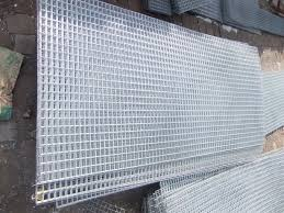 Easy Setting Up Weld Mesh Fence Panels 2x2 Inch Hole Size With 6 Gauge Hardware Cloth