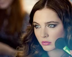 green beauty for drag queens makeup