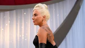 Nuovo amore per Lady Gaga | Il bacio con l'uomo misterioso – VIDEO