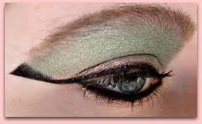 cleopatra eye makeup how to recreate