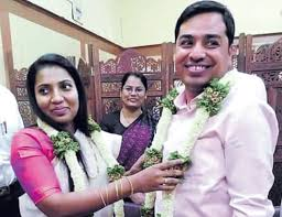 Civil servants from AP, Bengal set example; Keep their wedding a low-key  affair | Civil servants from AP| Bengal get married in modesty