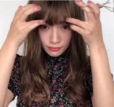 Tự cắt tóc mái phồng ở nhà chẳng tốn tiền mà đẹp như sao Hàn chỉ ...