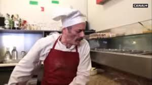 Pizza corona, il disgustoso spot francese: così ci aiuta l'Europa ...