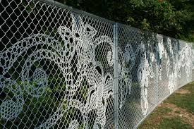 10 Unique Decorative Fence Ideas For Your Yard