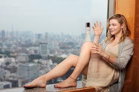 actress chloe grace moretz goes bold in