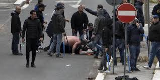 SPORTOURISM – Daniele De Santis dua tahun lalu menembak suporter Napoli,  Ciro Esposito. Kini sang pelaku telah diganjar hukuman 26 tahun p…