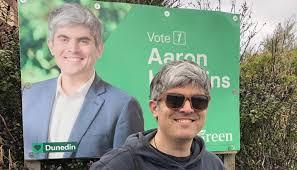 Dunedin's new Mayor Aaron Hawkins might keep hitch-hiking to work   Newshub