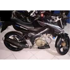 motor yamaha vixion warna hitam second
