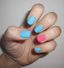 ring finger nail polish trend