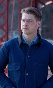 Gotham 2x16 - James Gordon (Ben McKenzie) HQ   Jim gordon gotham ...