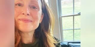 julianne moore 59 shows off flawless