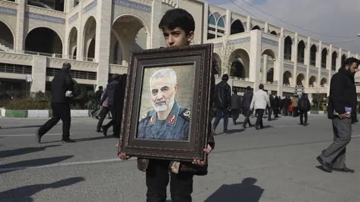 """Resultado de imagen de entierro general Qasem Soleimani bbc"""""""