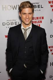 Aaron Tveit - he looks really good as a blonde (With images ...