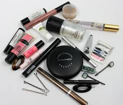 what i should have in my makeup bag