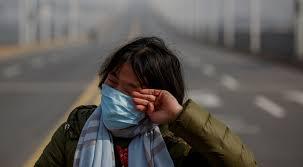 لحظات مؤثرة لأم في الصين حاولت إنقاذ ابنتها المريضة قناة 218
