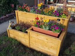 A Cedar Fence Board Planter For My Front Yard Cedar Fence Cedar Fence Boards Yard Project