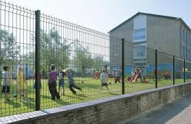 Folding Curved Pvc Coated Steel Wire Fencing Heavy Gauge Wire Fence Panels For School