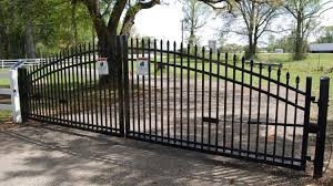 China Aluminum Farm Entrance Gate Metal Driveway Fence Gate China Fencing Door