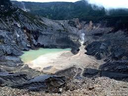 Habiskan Akhir Pekan di Gunung Tangkuban Perahu - Bicarajabar