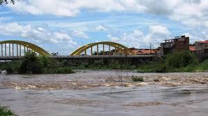Rio Salgado tem volume máximo em 3 anos neste domingo (15), em Icó ...