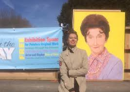 Dot Cotton makes a special appearance at Bideford's Art on the Quay |  Barnstaple, Bideford and Ilfracombe News | North Devon Gazette | North  Devon Gazette