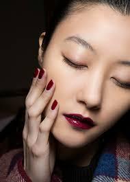 20 makeup tricks every needs to know