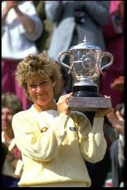 Chris Evert -- winning the Roland Garros 1985 | Chris evert, Roland garros,  Tennis gear