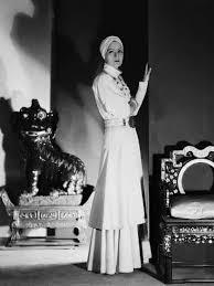 Photo: Le Voile des illusions THE PAINTED VEIL by Richard Boleslawski with  Greta Garbo, 1934 (b/w photo) : 32x24in (med bilder) | Stilikoner, Kvinnor,  Stilar