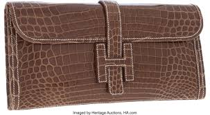 สวยและรวยมาก เปิดคลังกระเป๋าไฮเอนด์ 'จุ๊บจิ๊บ ธนพร' ภรรยา ร.อ.ธรรมนัส