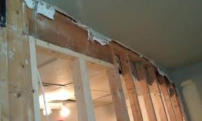 help determine a load bearing wall