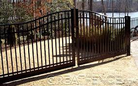 Flat Top With Spear Estate Gate In Black Gloss Matching Aluminum Fence Panels Are Available Estate Gates Fence Design Aluminum Fence