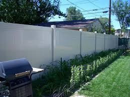 22 Vinyl Fence Ideas For Residential Homes