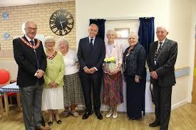 North Wales Doctors | Lord Barry Jones helps Deeside hospital ...