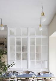glass space dividers