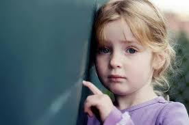 صور أطفال حزينين
