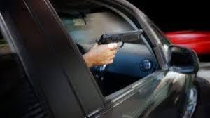 Identificaron al sujeto que le disparó a otro desde un auto ...