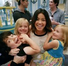 "Joseph Sanders & Mom on Twitter: ""Gina's hands are full with these 3 kooky  kiddos!! 😂😍🤗💪 @HereIsGina @CWJaneTheVirgin @MrJosephSanders  @TheAllanTwins #janethevirgin… https://t.co/HlwVmkpK1v"""